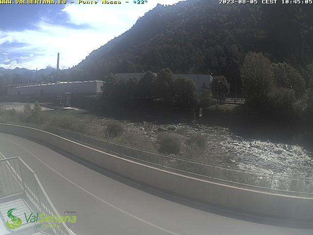 Ponte Nossa, ufficio IAT Val Seriana e Val di Scalve, vista sulla pista ciclabile Clusone-Bergamo, fiume Serio