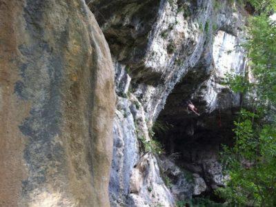 Arrampicare al Grottone di Onore