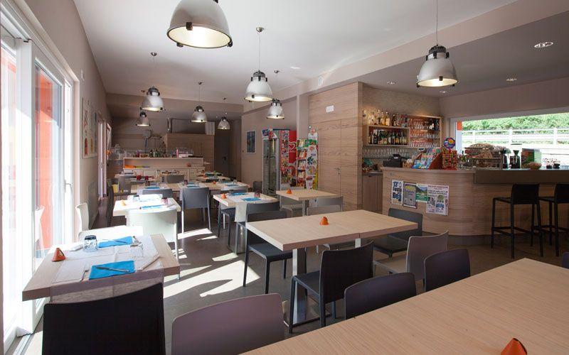 Idee per ristorante pizzeria xz14 pineglen for Master arredamento interni