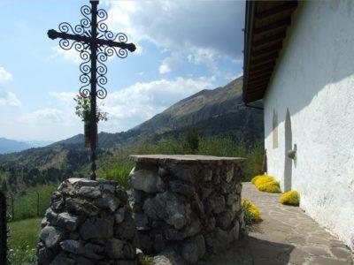 La valle dei mulini e la chiesa di San Péder (San Pietro) – Castione della Presolana