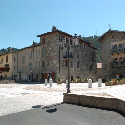 Castello di Fino del Monte