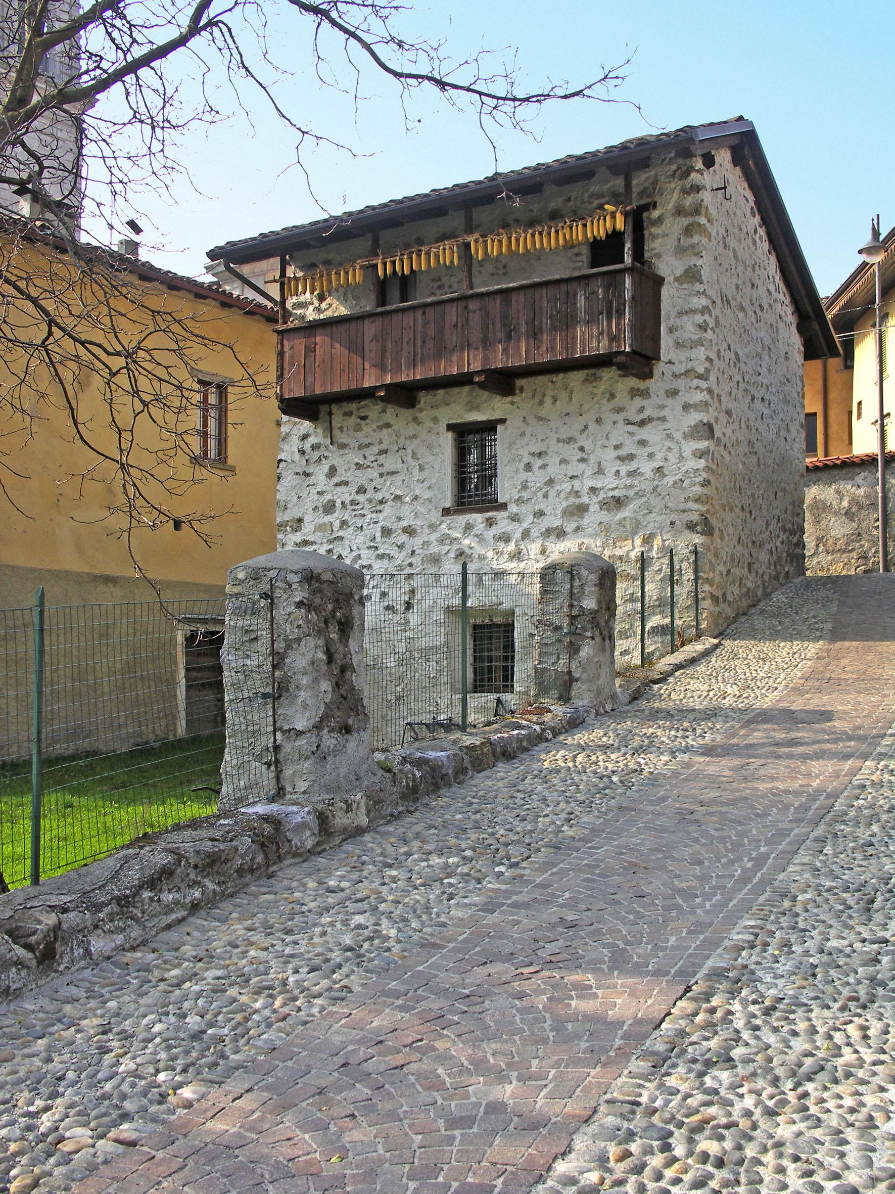 Ardesio_casa_rurale