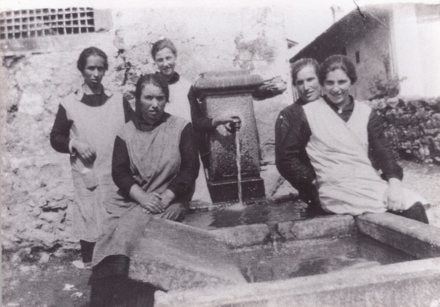 Donne al lavatoio