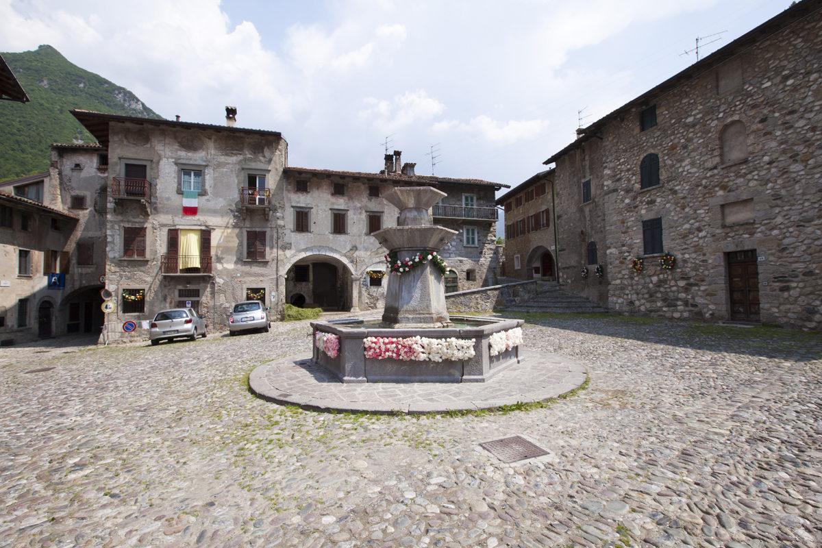 PiazzaDante_VilllaDOgna