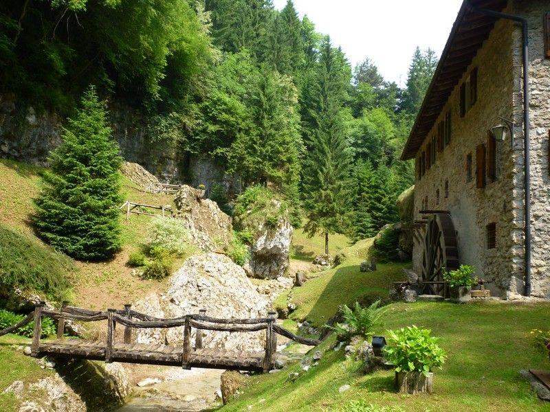 Alla-scoperta-del-borgo-di-Rusio-della-Chiesa-di-San-Pedèr-e-della-Valle-dei-Mulini