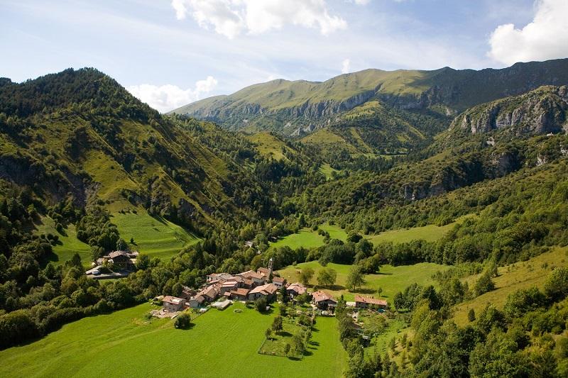Dal-borgo-di-Rusio-alla-Chiesa-di-San-Pedèr-attraverso-la-Valle-dei-Mulini